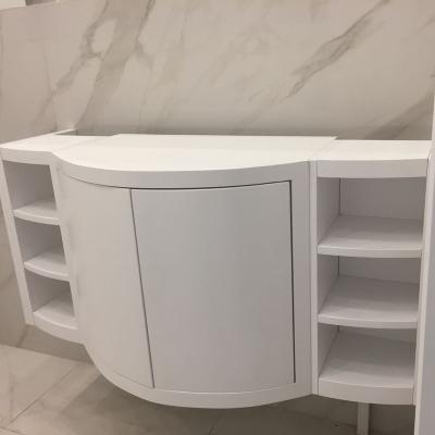 Шкафчик в ванну подвесной
