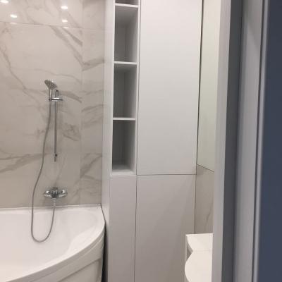 Шкафчик в ванну с нишей для стиральной машины