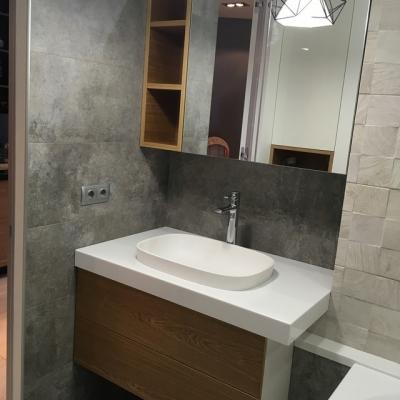 Комплект мебели в ванну - тумба и шкафчик с зеркалом